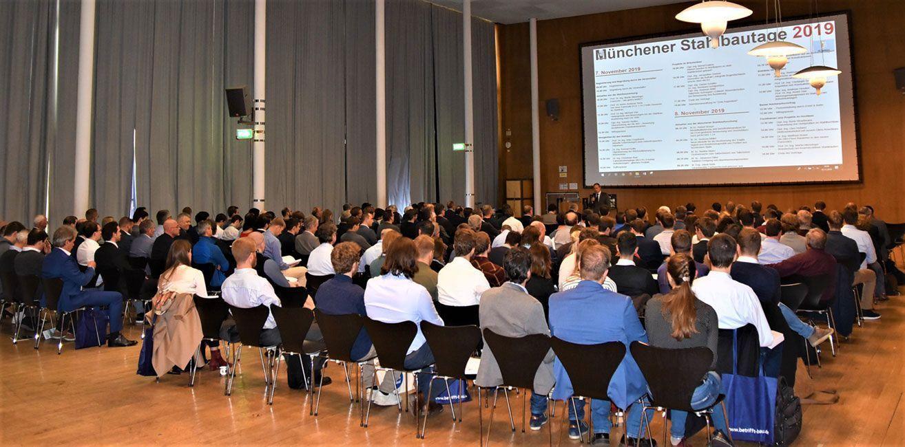 Die Münchner Stahlbautage in der Aula der Hochschule München waren gut besucht. Foto: Hochschule München.