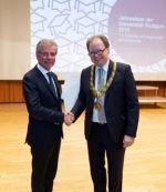 Prof. Konrad Bergmeister von der Universität für Bodenkultur Wien (links) erhielt die Ehrendoktorwürde.